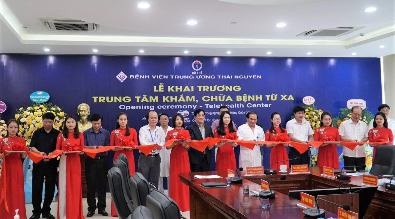 VMED Group co-operates with Thai Nguyen National Hospital in opening the Telehealth Center